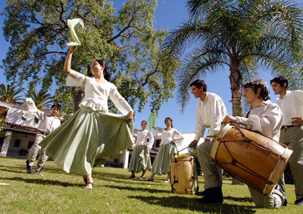 folclore-los-pinos-termas-de-rio-hondo